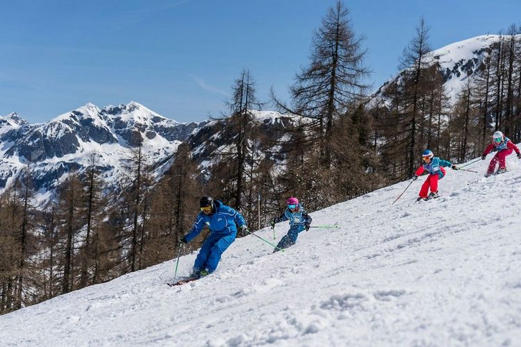 Ski school Flachau - ski courses in a group for children and teenagers