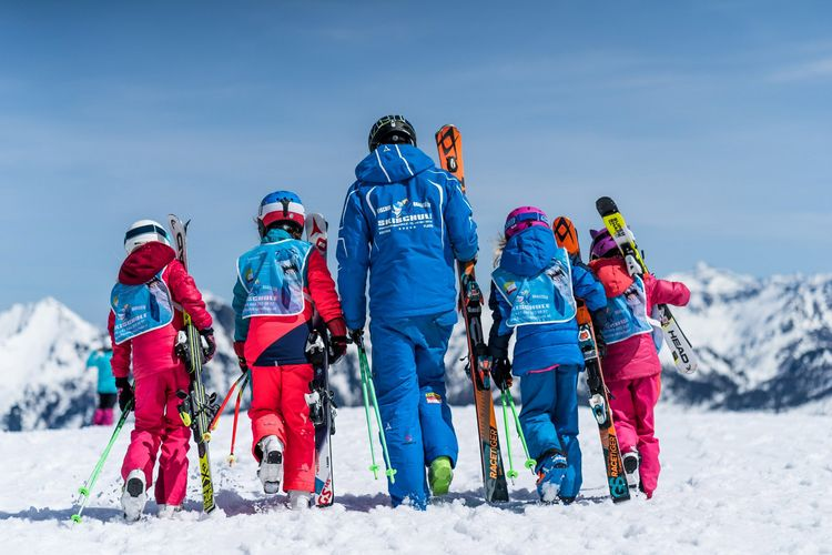Learn to ski Flachau - ski courses for children and teenagers